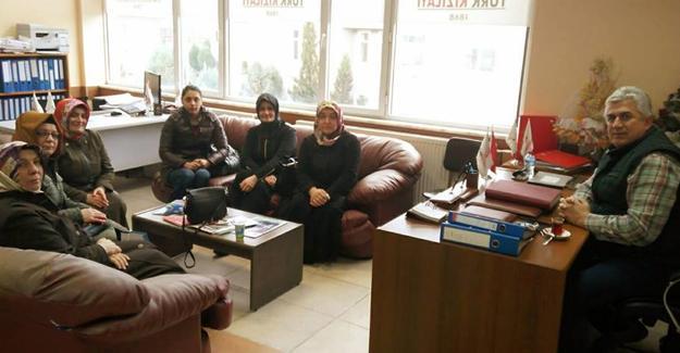 AK Partili Yılkın'dan Kızılay ve hastane ziyareti