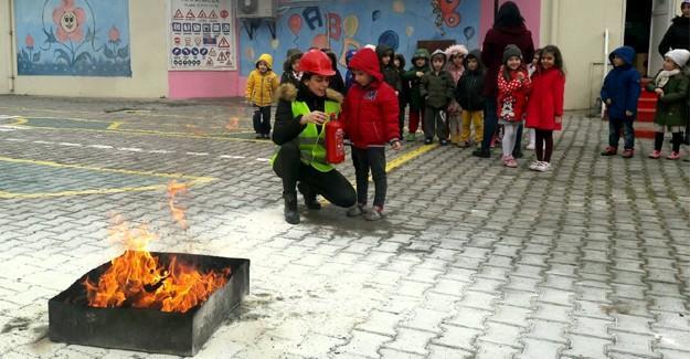 Minik öğrenciler yangına karşı eğitildi