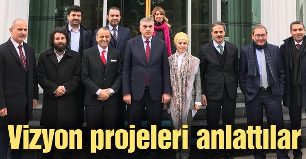 Star Gazetesi yazarları Başkan Alemdar'a misafir oldu