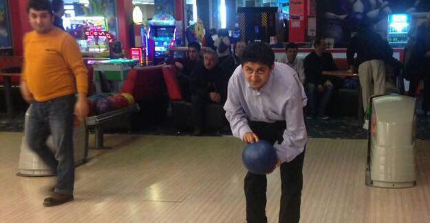 Zihinsel engelli yetişkinler bowling oynadı