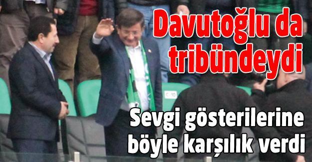 Ahmet Davutoğlu da tribündeydi