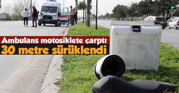 Ambulans motosiklete çarptı: 1 yaralı