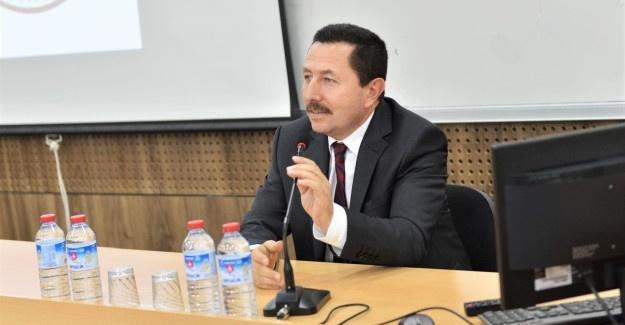 Vali Balkanlıoğlu SAÜ'de söyleşiye katıldı