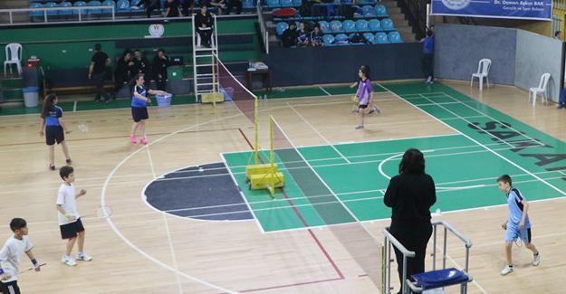 Badmintonda küçüklerin büyük heyecanı