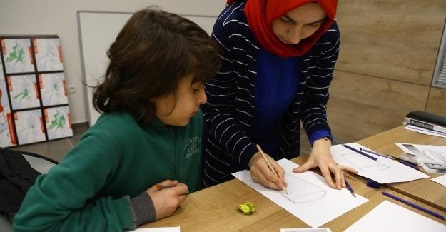 Serdivan Çocuk Akademisi'nde, Güzel Sanatlara hazırlık