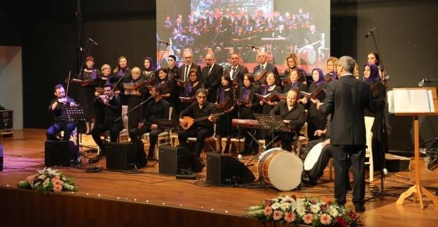 Türk Halk Müziği konserine büyük ilgi
