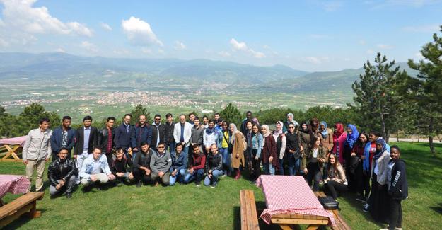 Yabancı öğrenciler Geyve'de