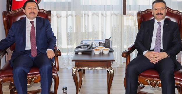 Kocaeli Valisi Aksoy'dan Vali Balkanlıoğlu'na ziyaret