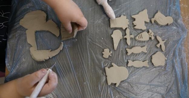 Serdivan'da çocuklar hayallerini yoğuruyor