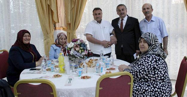 Arifiye Belediyesi personeli iftarda buluştu