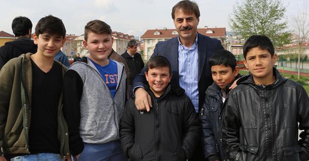 Başkan Alemdar öğrencilere başarı diledi
