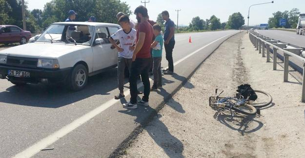 Bisikletli şahıs otomobilin altında kaldı