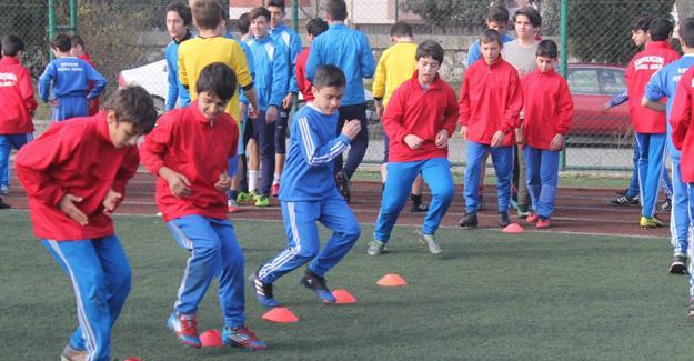 Büyükşehir Futbol Okulu'na yoğun ilgi