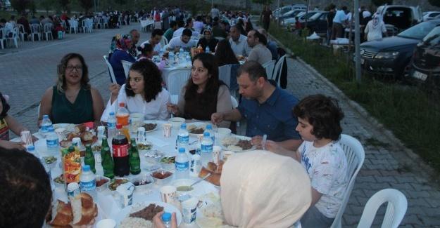Hastane personeli birlikte iftar yaptı