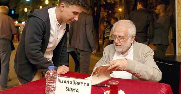 İhsan Süreyya Sırma okurlarıyla buluştu