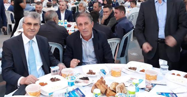 Yüce Geyve Belediyesi'nin iftarına katıldı