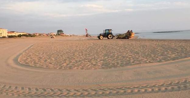 Her sabah tertemiz bir sahil ile misafirlerini bekliyor