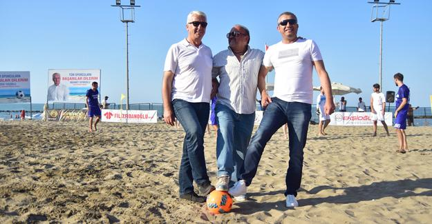 Karasu'da Plaj Futbolu başlıyor