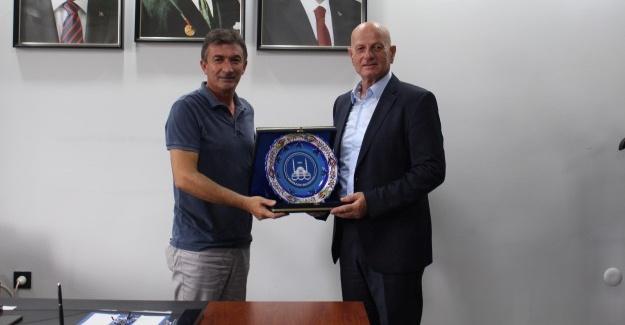 Sırbistan Türkleri Derneği'nden Adapazarı Belediyesi'ne ziyaret