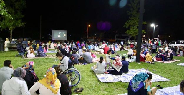 TÜGVA'nın açık hava sinemasına büyük ilgi