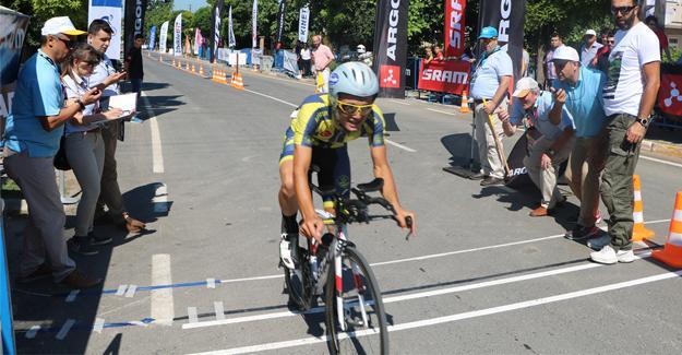 Türkiye şampiyonu olmak için Sakarya'da pedal çeviriyorlar