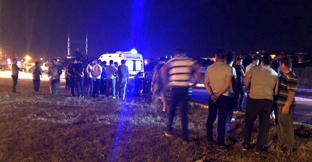 Kavşakta iki otomobil çarpıştı: 3 yaralı