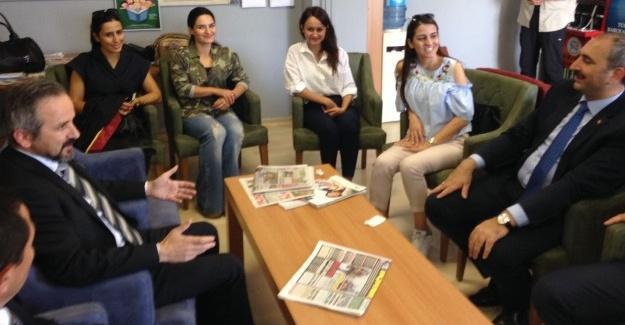 Adalet Bakanı Abdülhamit Gül'den Baroya ziyaret