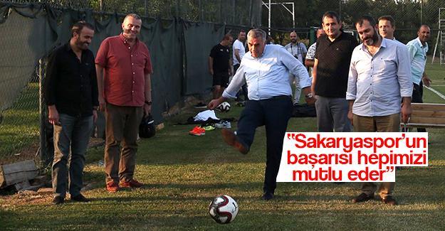 Başkan Toçoğlu Sakaryaspor idmanını ziyaret etti