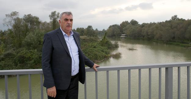 Arifiye'nin yeni köprüsü gün sayıyor