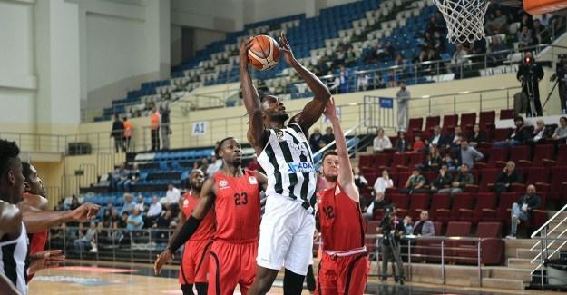 Büyükşehir Basket Anadolu Efes'e konuk oluyor