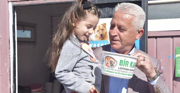 Karasu Belediyesi geçici hayvan barınağına ziyaretçi akını