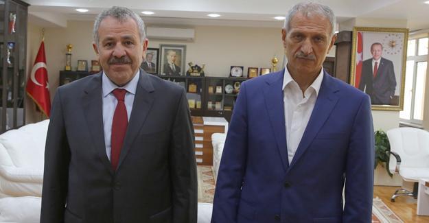 Lahey Büyükelçisi Şaban Dişli'den Başkan Dişli'ye ziyaret