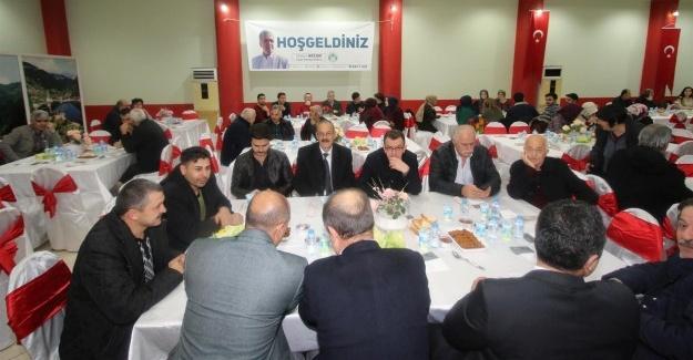 Akyazı'da Öğretmenler Günü kutlandı