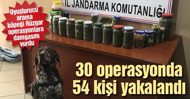 30 operasyonda 54 kişi yakalandı