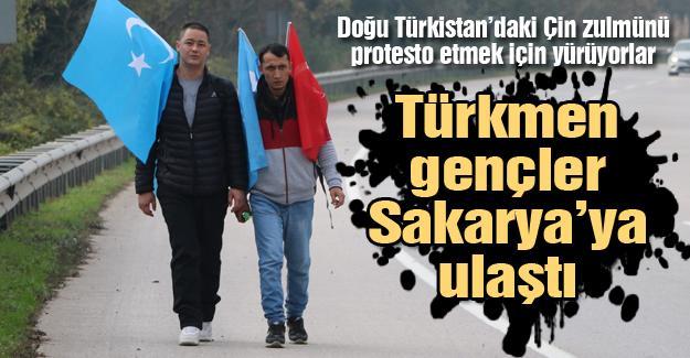 Doğu Türkistan'daki Çin zulmünü protesto etmek için yürüyorlar