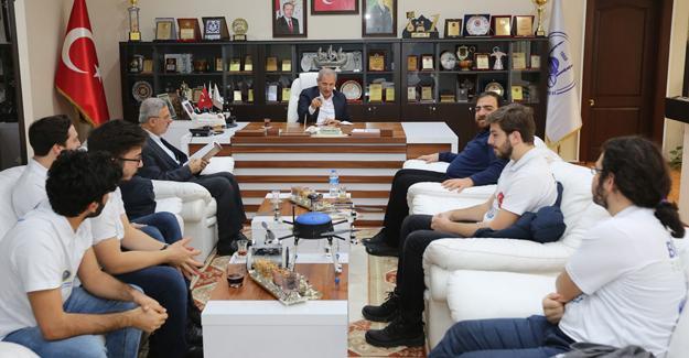 TEKNOYURT öğrencilerinden Başkan Dişli'ye ziyaret