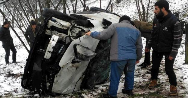 Kontrolden çıkan otomobil takla attı