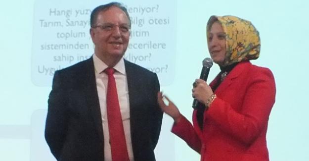 Prof. Dr. Özdemir'den 2023 Eğitim Vizyonu Konferansı