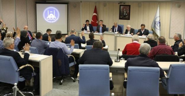 Başkan Dişli'den, meclis üyelerine anlamlı hediye