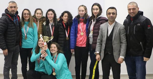 Gençler madalya için yarıştı