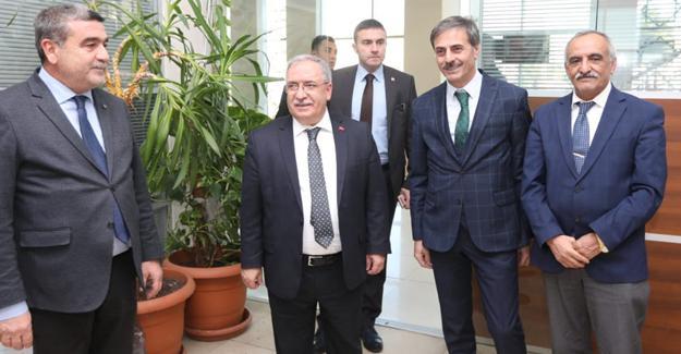 Vali Nayir'den Serdivan Belediyesine ziyaret