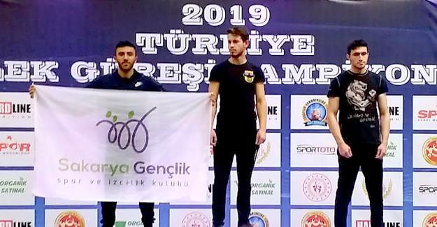 Bilek Güreşi Şampiyonasında Sakarya'yı gururla temsil ettiler