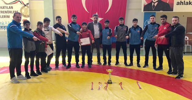 Hendekli güreşçiler Türkiye 2.'si