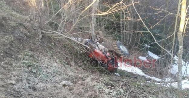 Traktör uçuruma yuvarlandı! Sürücü ölümden döndü