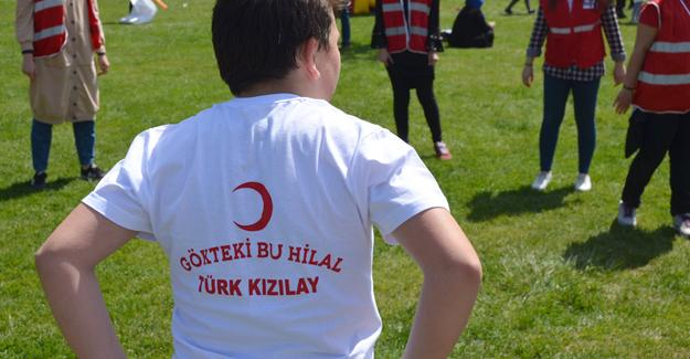 Genç Kızılay Sakarya'dan coşkulu 23 Nisan kutlaması