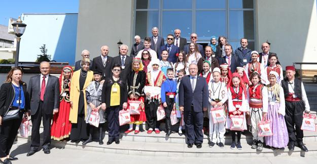Halk oyunları ekiplerinden Vali Nayir'e ziyaret