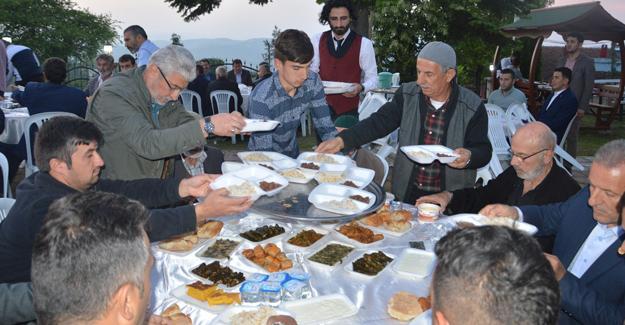 118 yıllık iftar geleneği sürüyor
