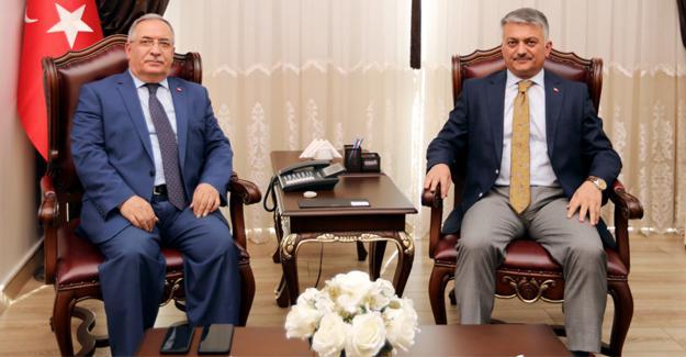 Balıkesir Valisi Yazıcı Vali Nayir'i ziyaret etti
