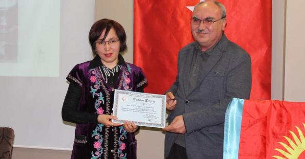 Yazar Cengiz Aytmatov anıldı
