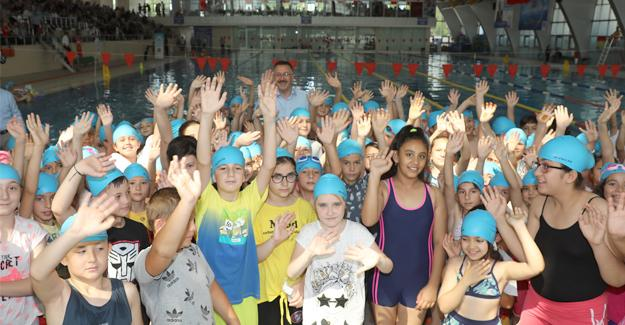Adapazarı yüzme yaz okulu açıldı